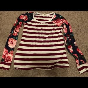 Size small- new without tags ( never worn)